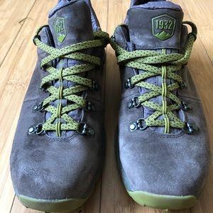 Danner 600 boots low